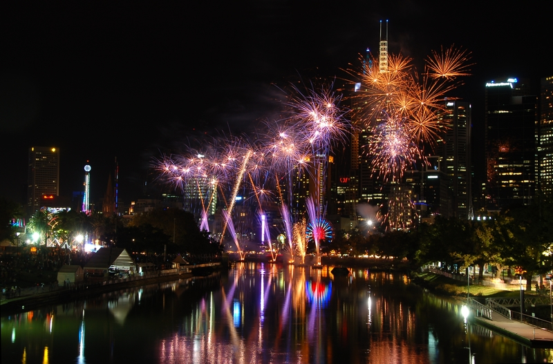 Fireworks at Moomba 2013- Licensed under CC BY 2.0 via Wikimedia Commons   - Moomba with Junior!